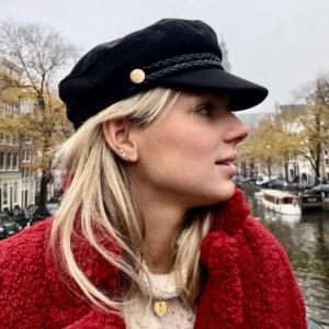 by Lauren Amsterdam